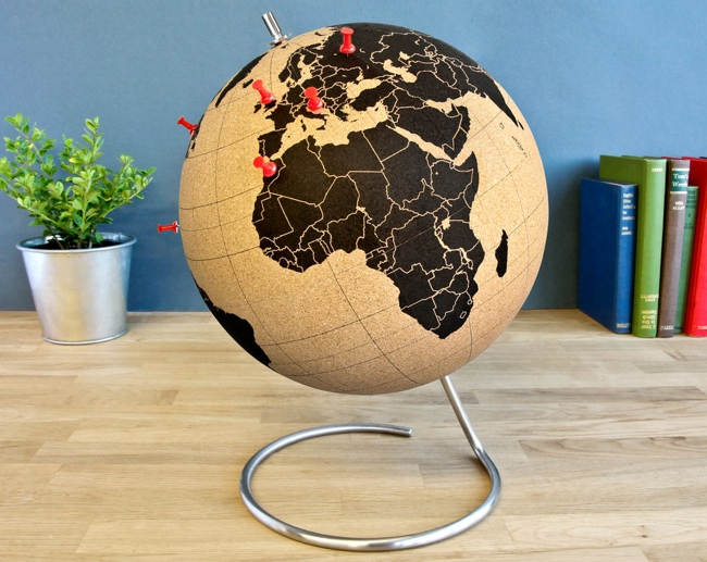 Pinpoint your travels with the cork globe gumiabroncs