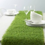 grass-table-runner