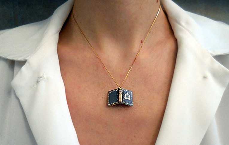 necklace-book-ft