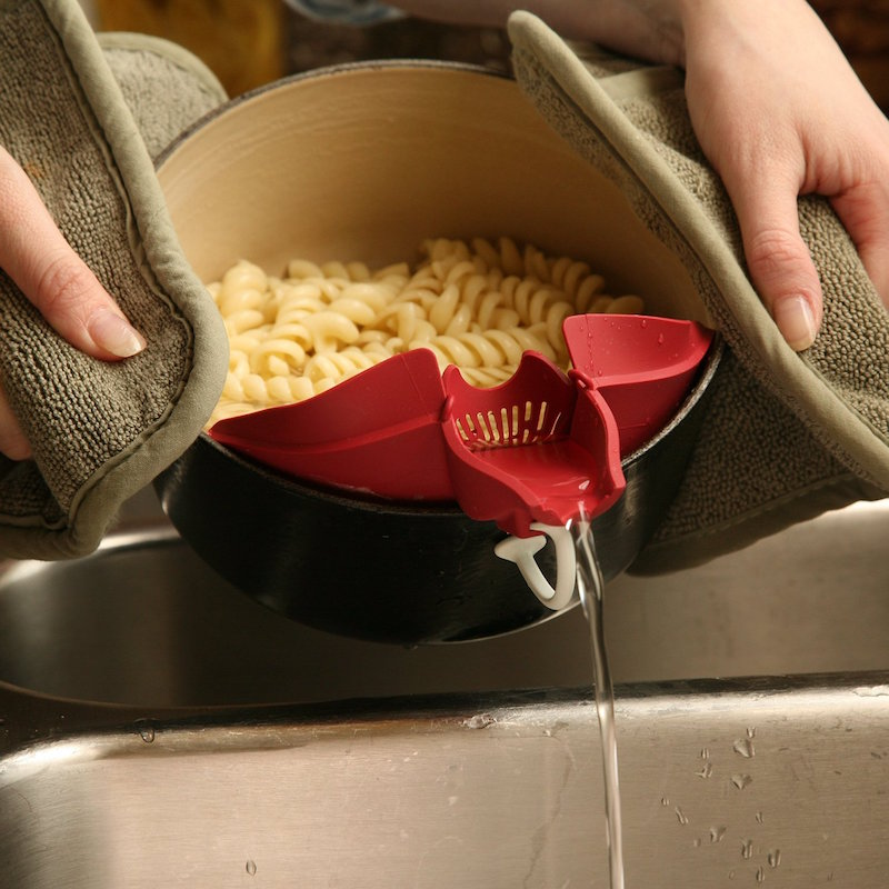 This Kitchen Clip Attachment Makes Pouring And Straining A