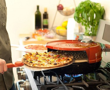 Cook a Whole Pizza in 6 Minutes with this Compact Pizza Stove