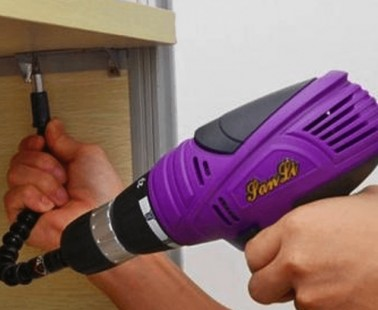 Slither Your Screwdriver to Success with This Flexible Drill Bit Extender