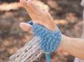 Wash Your Pet With The Palm Of Your Hand Using Aquapaw