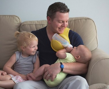 The Beebo Bottle Holder Lets You Bottle Feed Your Baby Hands-Free!