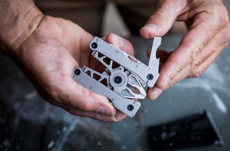 This Belt Buckle Turns Into a Great Multi-Tool With 12 Tools