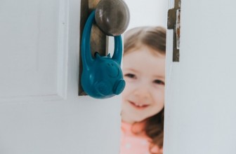 Keep Tabs On Your Toddler Using the Decco Monitor