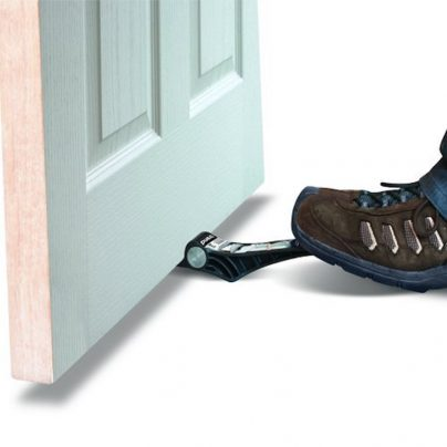 The Trend Door Lifter Makes Hanging Doors Easy and Pain-Free