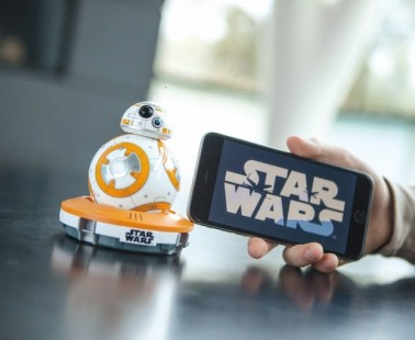 Interactive Star Wars Droid Can Be Controlled Via Smartphone