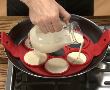 The Flippin' Fantastic Is the Fast and Fun Way to Make Perfect Pancakes!