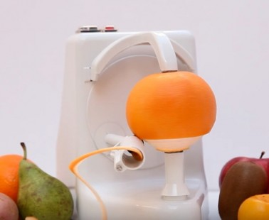 This Automatic Fruit Peeling Machine Will Make Peeling Fruit An Easy Task