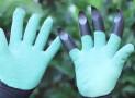 Garden Genie Gloves Help You Get Down in the Dirt