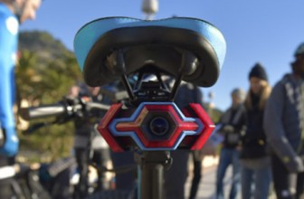 The HEXAGON Is a Device for Your Bike Seat That Lets You Have a Rear-View Camera and Turn Blinkers