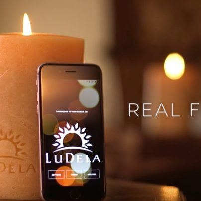 This Real-Flame Smart Candle Can Be Lit or Extinguished with Your Smartphone!