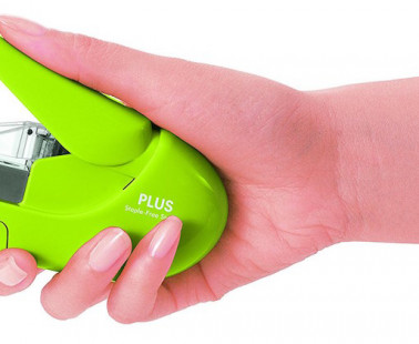 The Plus Paper Clinch Is an Eco-Friendly, Staple-Free Stapler