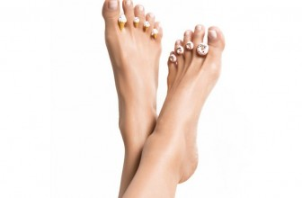 Kick Your Pedicures Up A Notch With These Sparkly Toe Spacers
