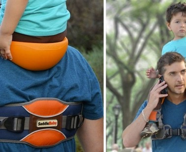 Carry Your Child On Your Shoulders With This Handy Baby Saddle