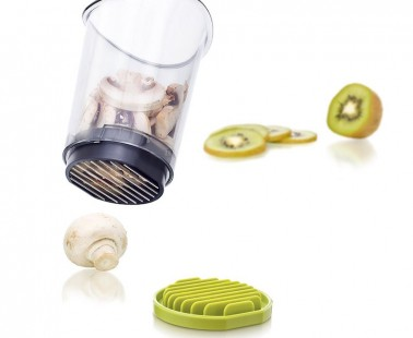 The Slice and Catch Container Slices Food and Then Catches Them