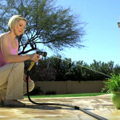 Water Your Garden Tangle-Free with the Pocket Hose Top Brass