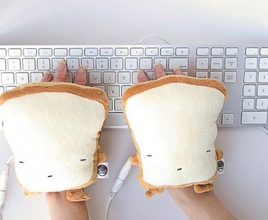 Warm Up Your Hands With Toast Handwarmers