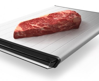 Defrost Your Meat Without Heat On This Specially Designed Defrosting Tray