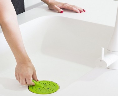 The TWEAK Strainer Will Keep Your Sink And Drains Clean