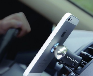 The Nite Ize Vent Mount Keeps Your Phone Close and Your Eyes on the Road
