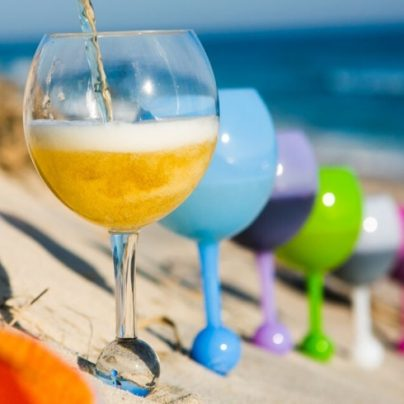 The Beach Glass Is the Perfect Glass for Any Outdoor Event