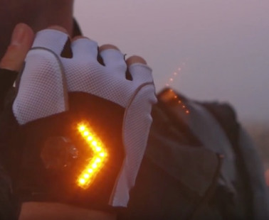 The Zackees Turn Signal Gloves Will Help You Stay Safe on Your Bike